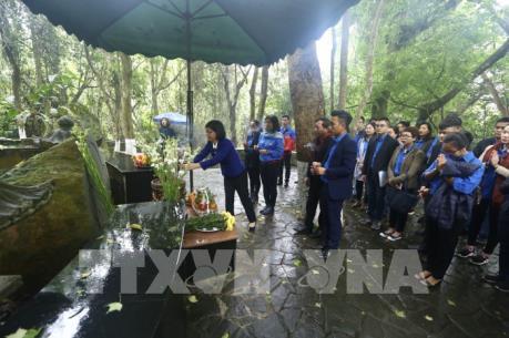Tuổi trẻ TTXVN và Đài Tiếng nói Việt Nam nhớ lời Di chúc theo chân Bác