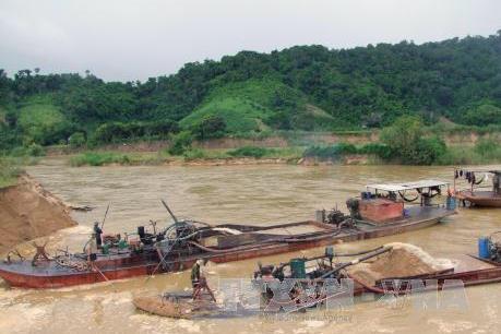 Phản hồi thông tin của TTXVN: Doanh nghiệp tháo gỡ thiết bị vi phạm khai thác cát