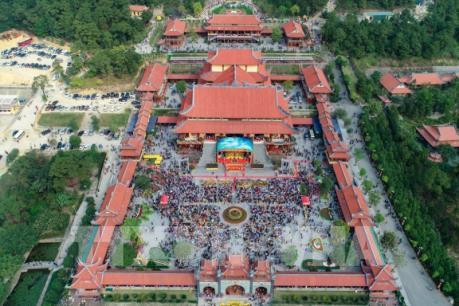 """Giáo hội Phật giáo Việt Nam yêu cầu làm rõ """"chuyện vong báo oán"""" tại chùa Ba Vàng"""