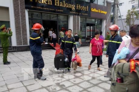 Nhiều du khách được cứu thoát trong vụ cháy khách sạn ở Hạ Long