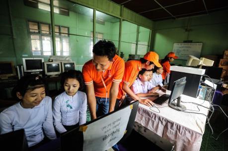 Viettel triển khai công nghệ eSIM tại Lào