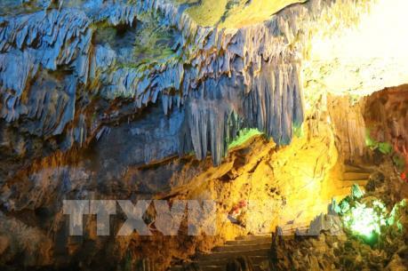 Khám phá động Thiên Hà giữa núi rừng Nho Quan