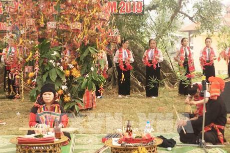 Tưng bừng lễ hội Hết chá của người Thái