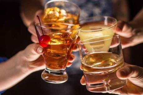 Chính phủ Thái Lan cấm bán đồ uống có cồn trong 24h