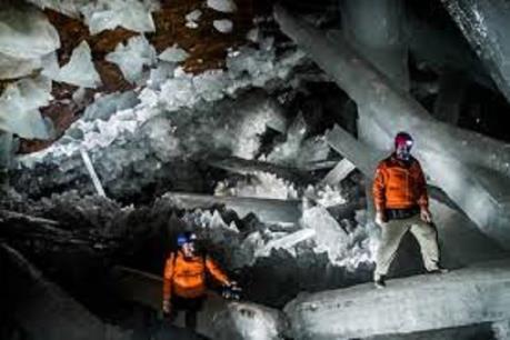 Israel phát hiện hang động muối gần Biển Chết dài nhất thế giới