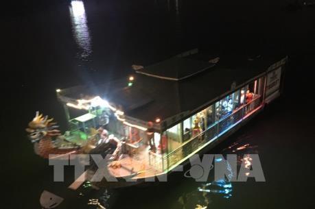 Mộng mơ cảnh sắc sông Hương về đêm