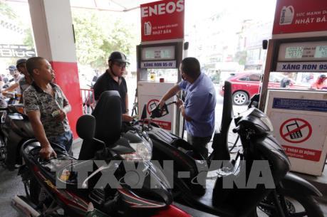Điều chỉnh mạnh giá xăng dầu từ 17h hôm nay