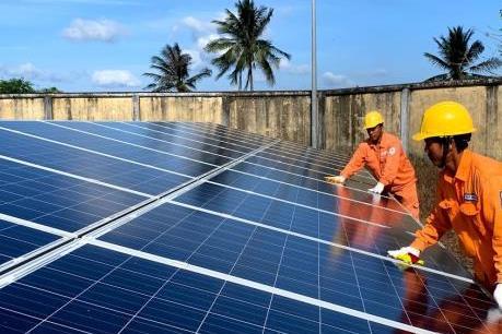 Khách đến Côn Đảo tăng - sức ép lớn trong cung cấp điện ở Côn Đảo