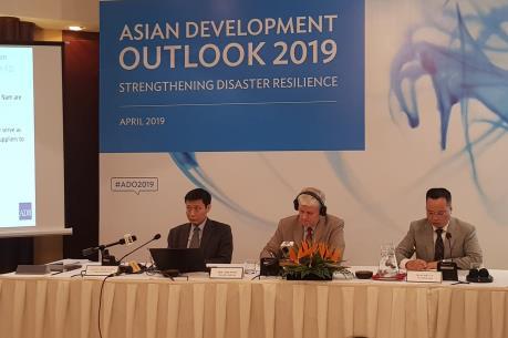 ADB: Kinh tế Việt Nam phụ thuộc nhiều vào thương mại
