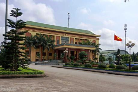 Thông tin vụ Văn phòng HĐND tỉnh Ninh Bình sử dụng xe ô tô công hai BKS