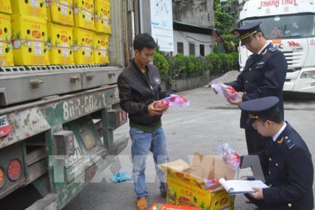 Lạng Sơn hỗ trợ thủ tục xuất nhập khẩu tại cửa khẩu