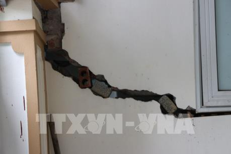 Vụ lún, nứt nhà tại Khu đô thị Văn Phú: Trống đánh xuôi, kèn thổi ngược