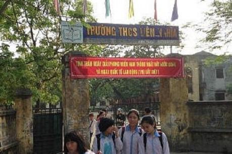 Hưng Yên buộc thôi việc cô giáo phạt học sinh ăn thạch dừa trong nhà vệ sinh