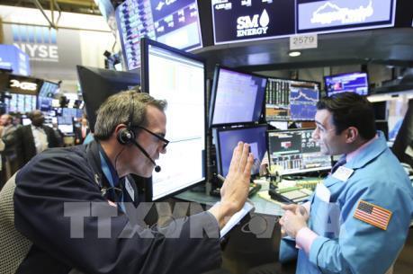 Cuộc chiến thương mại Mỹ-Trung nóng lên, chứng khoán Mỹ tiếp tục đi xuống
