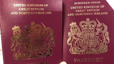 """Anh cấp hộ chiếu mới không có dòng """"Liên minh châu Âu"""" ở bìa"""
