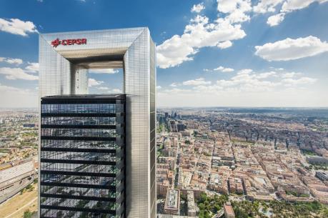 Carlyle Group sẽ mua 30-40% cổ phần của Cepsa