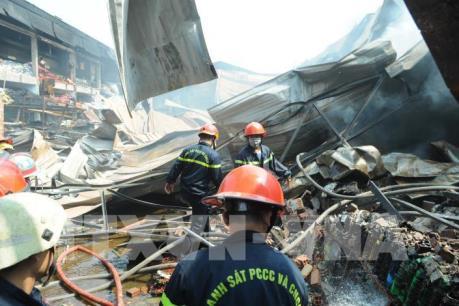 Cháy lớn tại nhà xưởng đóng gói nông sản ở Tp. Hồ Chí Minh