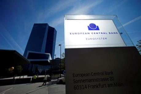 ECB giữ nguyên lãi suất tiền gửi -0,4%