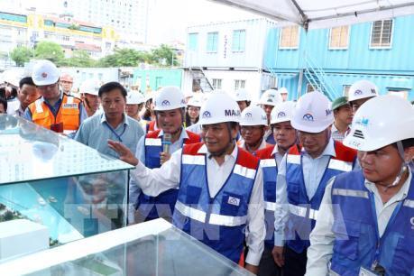 Thủ tướng thị sát công trình xây dựng metro Tp. Hồ Chí Minh