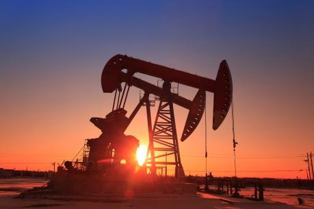 Giá dầu châu Á quay đầu đi xuống