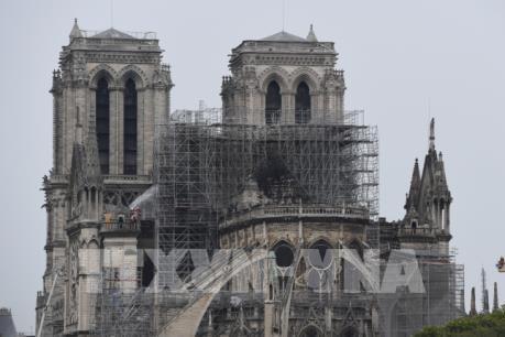 Vụ cháy Nhà thờ Đức Bà Paris: Cân nhắc phương án cứu phần còn sót lại