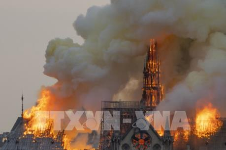 Kinh phí phục dựng Nhà thờ Đức Bà Paris có được bảo hiểm chi trả?
