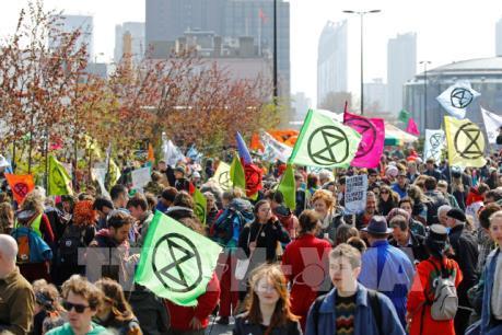 Anh bắt giữ hàng trăm nhà hoạt động chống biến đổi khí hậu