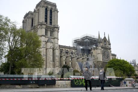 """Nhà thờ Đức Bà Paris được xây bằng nhiều vật liệu """"nhạy cảm"""" với lửa và nước"""