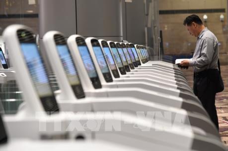 Singapore sắp đóng dấu xuất cảnh bằng hệ thống vân tay tự động