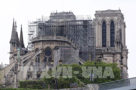 Khoảng 90% thánh tích và tác phẩm nghệ thuật ở nhà thờ Đức Bà được bảo toàn