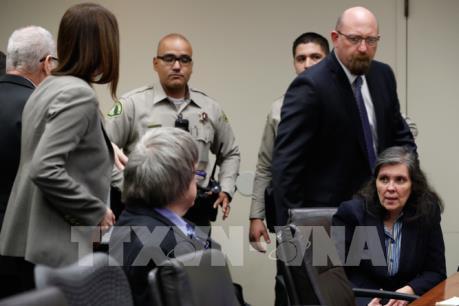 Ngược đãi con đẻ, cặp vợ chồng Mỹ bị tuyên án chung thân