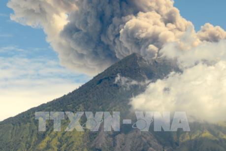 Núi lửa trên hòn đảo Bali lại thức giấc