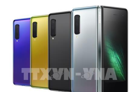 Samsung sắp ra mắt smartphone gập đầu tiên trên thế giới
