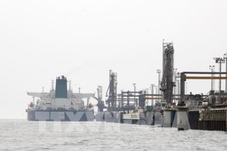 Giá dầu thế giới đạt mức cao nhất trong gần một tháng