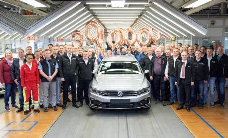 Volkswagen xuất xưởng chiếc Passat thứ 30 triệu