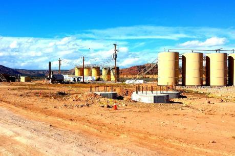 Mỹ bị phản đối khi chấm dứt quy chế miễn trừ mua dầu mỏ của Iran