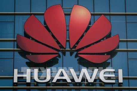 """Chính phủ Anh phản hồi thông tin """"mở cửa"""" cho Huawei"""