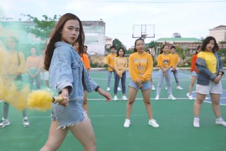 """MV nào đang dẫn đầu cuộc thi Flashmob 2019 """"Sóng tuổi trẻ"""" về lượt view?"""