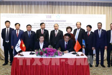 Ký kết hợp tác phát triển thị trường sản phẩm sữa Việt Nam tại Trung Quốc