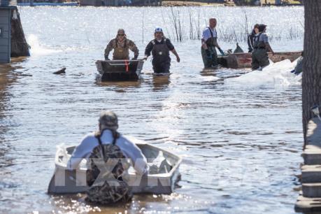 Canada cứu nguy 5.000 người dân do vỡ đê