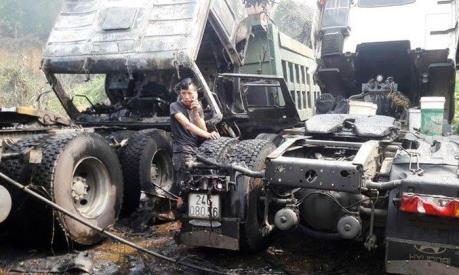 Cháy xưởng sửa chữa ô tô tải tại Lào Cai