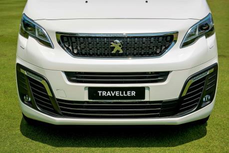 Cận cảnh SUV đa dụng cỡ lớn Peugeot Traveller vừa ra mắt thị trường