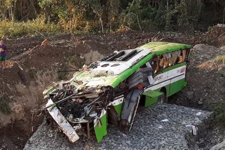 Tai nạn xe khách, gần 80 người thương vong
