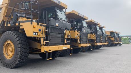 Phát hiện 8 xe tải loại siêu trường sử dụng giấy phép lưu hành giả