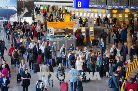 Sân bay Frankfurt tạm ngừng hoạt động do thiết bị bay không người lái