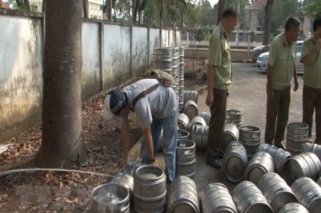 Phát hiện, thu giữ hơn nghìn lít bia hơi không rõ nguồn gốc