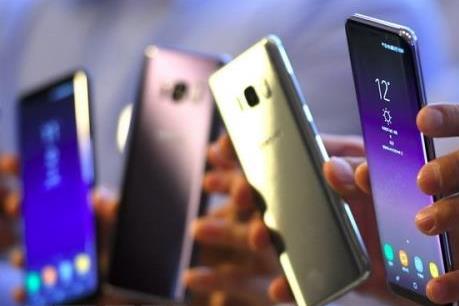 Chuyên gia nói gì về đề xuất đánh thuế TTĐB đối với điện thoại và mỹ phẩm?