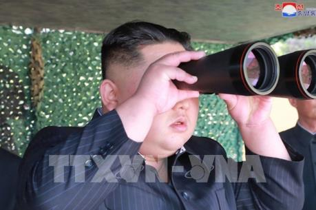 """Chủ tịch Kim Jong Un giám sát cuộc diễn tập """"tấn công tầm xa"""""""