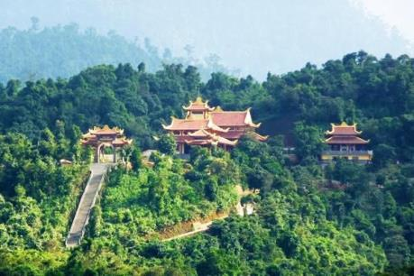 Đến Huế với tour du lịch khám phá Thiền viện Trúc Lâm Bạch Mã