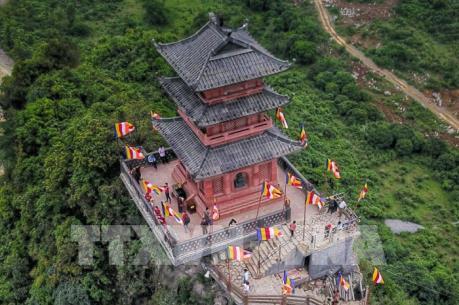 Vẻ đẹp Chùa Ngọc ở Trung tâm Văn hóa Phật giáo Tam Chúc